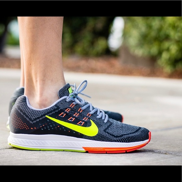 d622a63a456 Nike Air Zoom Structure 18 - Mens Running Shoe. M 5bd1dacef63eea3d7457c824